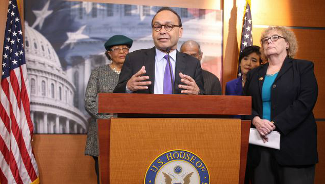 Representative Luis Gutiérrez speaking at the press conference.